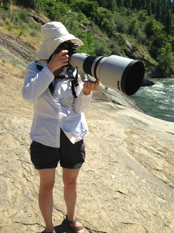 Katya with the Canon 400mm/f 2.8 lens.