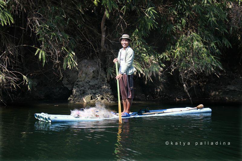 Bamboo Stand Up Paddleboard, Balingasay River, Bolinao. Copyright Katya Palladina.