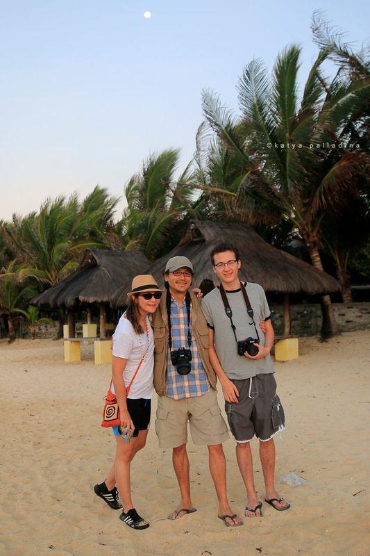 The gang at Patar White Sand Beach, Bolinao. Copyright Katya Palladina.
